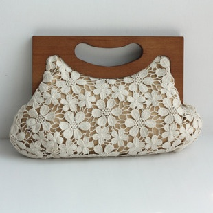 [Knife home] outside the single unique crochet beige the gallows package wooden handle bag women Korean Clutch