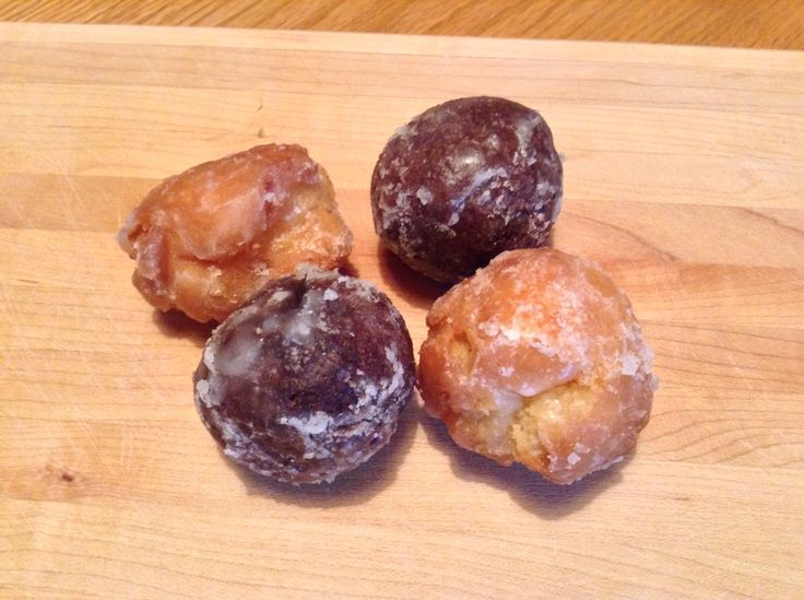 how to make sour cream glazed donuts