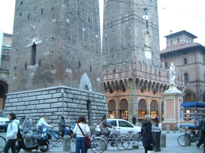 Foto Bologna: Le due Torri