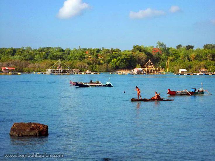 Teluk Telong-Elong (Telong-Elong bay). A beautiful bay in East Lombok, Indonesia. For more information, please visit www.LombokExplore.com.