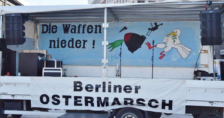 Berliner Ostermarsch 2015: Die Waffen nieder!   von UweHiksch