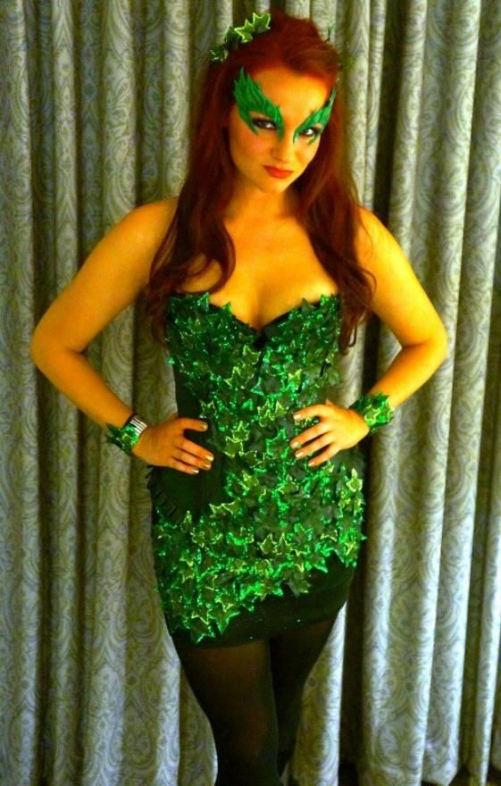 Poison ivy cosplay Poison Ivy, who was once known as botanist Dr. Pamela Lillian Isley, uses her knowledge of plants to produce toxins