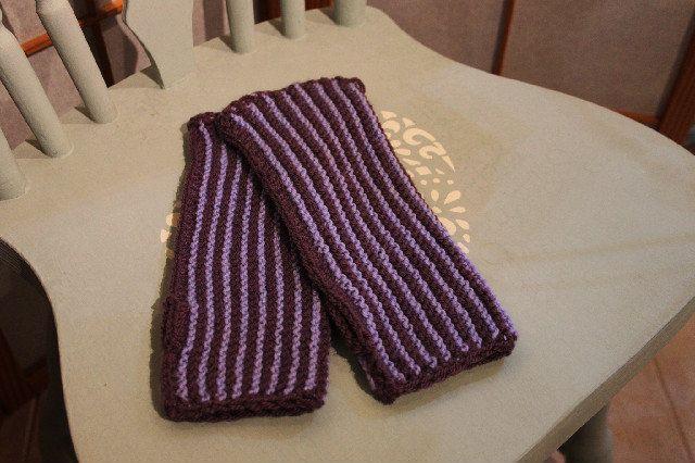Armwarmers rib lilac/mauve, £14.50 #armwarmers #handknitted #warmandcosy #gloves #mittens #wristlets #wristwarmers