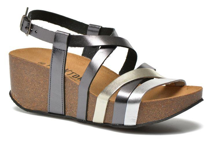 Plakton, c'est une toute nouvelle marque de chaussures confort, destinées aussi bien à toutes celles dont les pieds sensibles ont besoin d'une attention particulière, qu'à celles qui ont compris que la santé passe par le bien-être des pieds ! Les semelles ...