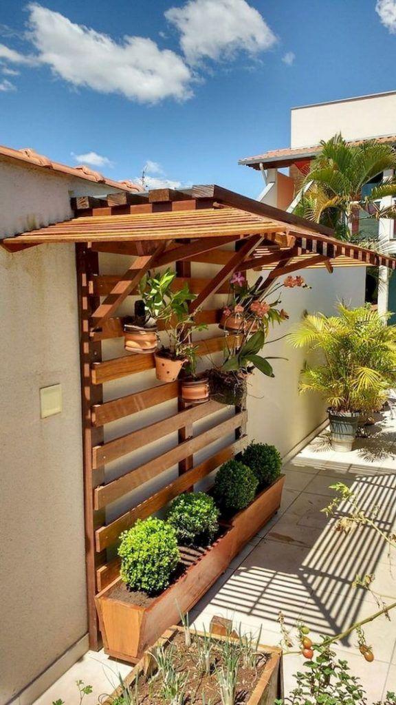 Ideas Para Decorar Patios Con Poco Dinero Con Imagenes Decoracion De Patio Exterior Jardines Verticales Paisajismo De Patio Frontal