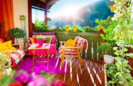 Balkon und Terrassen deko ideen bunte strahlende farben