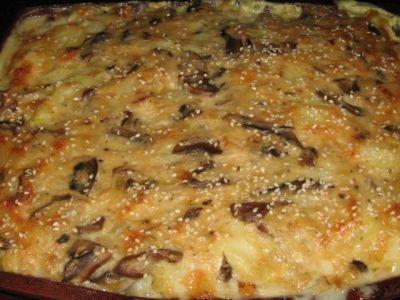 Картофель с мясом под грибной «шубой»