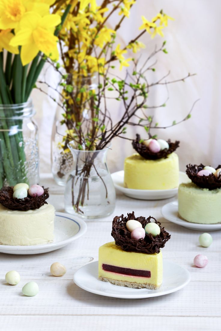 Advocaat & white chocolate mousse with raspberry jelly, almond sponge and chocolate nests #wielkanoc #easter #mousse #mus #advocaat #eggnog #ajerkoniak #chocolatenest #spring
