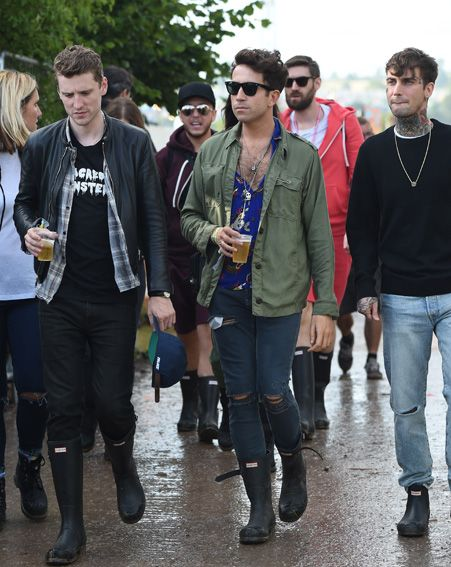Nick Grimshaw and friends style their up-do's to perfection at Glastonbury 2015.