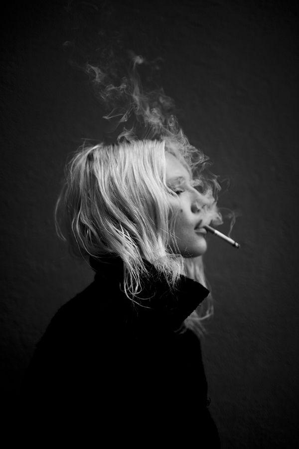 как сделать красивое фото с сигаретой практически