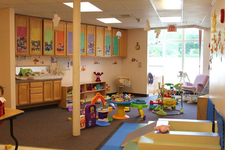 Daycare infant room here are some photos of the variousrooms at sunny day care daycare - Daycare room design ...