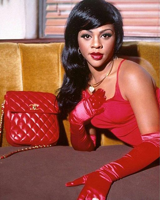 lil kim...how on earth did she ever think she wasn't pretty? :(