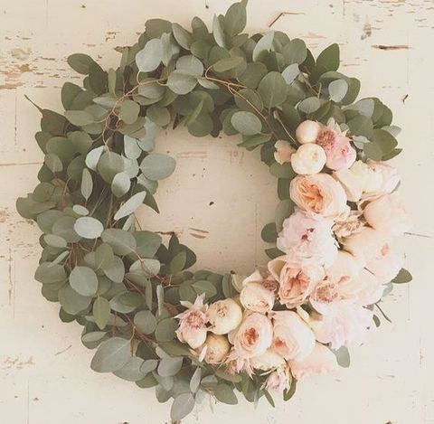 leaves and blush roses wreath