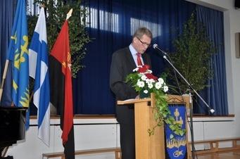 Perheyritysten liiton tj. Matti Vanhanen vieraili Uudenkirkon pitäjäjuhlassa v. 2012