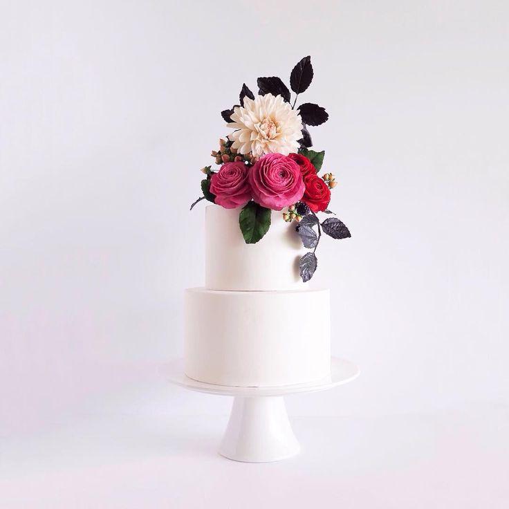 Wedding Cake by Cake Bijou (@cakebijou) • Instagram photos and videos #Ranunculus #Dahlia  #Leaves #Cake #WeddingCake #Gumpasteflowers, #sugarflowers #Gumpaste birthday cake bridal shower