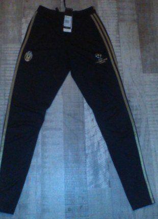 À vendre sur #vintedfrance ! http://www.vinted.fr/mode-hommes/bas-de-survetement/28837774-pantalon-adidas-juventus-training-ucl-20152016-dorenoir