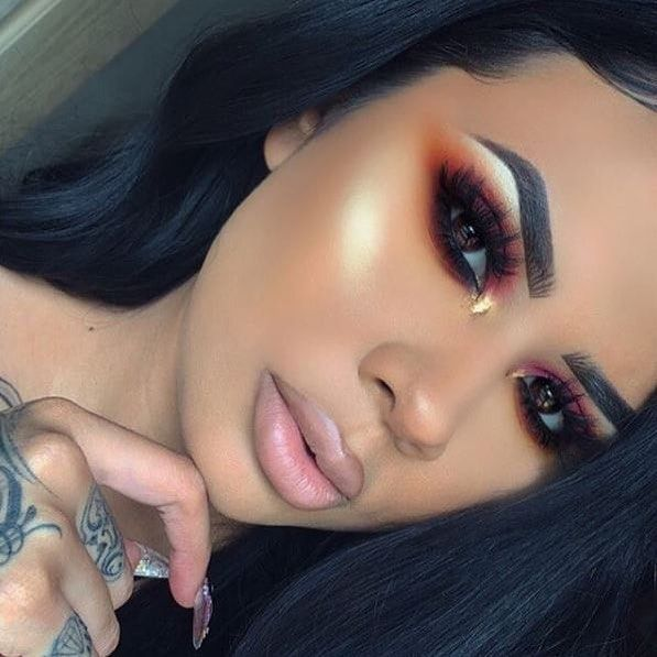 OMG look at this! So beautiful <3 These makeup looks are true inspiration! Whether you're creating dramatic makeup looks or something for everyday you need the latest releases to create! Our calendar helps you keep track of all upcoming product releases and sales! #makeuplookseveryday
