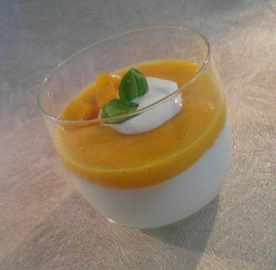 Deser jogurtowo-brzoskwiniowy