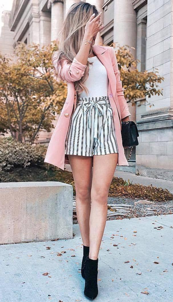 30+ Trendige Outfit-Ideen, jetzt zu tragen,  #Damenbekleidung #dieschönstenSommerkleider #fashion #FrauenStile #Mode #Straßenstile #streetstyles #th…