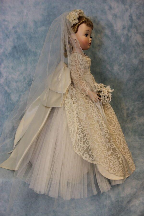 Madame Alexander Cissy bride doll. Amazing!