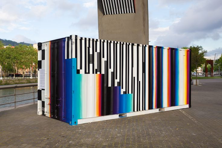 FELIPE PANTONE  ..  [Bilbao, Spain 2016] (side view)