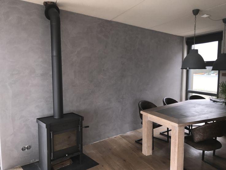 Stucco mat betonlook brander www.stucadoorstiens.nl