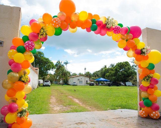Decoração de Festa Junina - Arraial - Arco de Balão - Balões com Flores