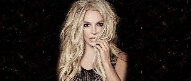 Britney Spears in Talks For Super Bowl Halftime Show |