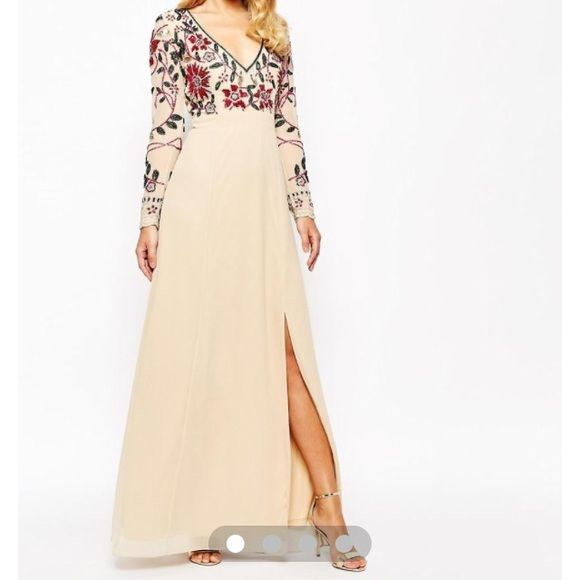 Floral embellished thigh split maxi dress Frock and frill dress!! Is new with tags, regular price is 260 dollars! Uk8/us M. ❌no modeling please❌ Frock and frill Dresses Maxi