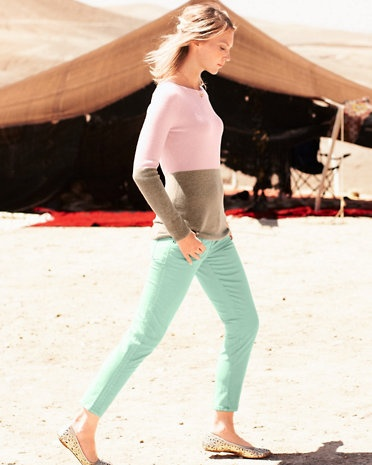 I love the two-toned nature of this cashmere sweater. Lovely shades for spring!