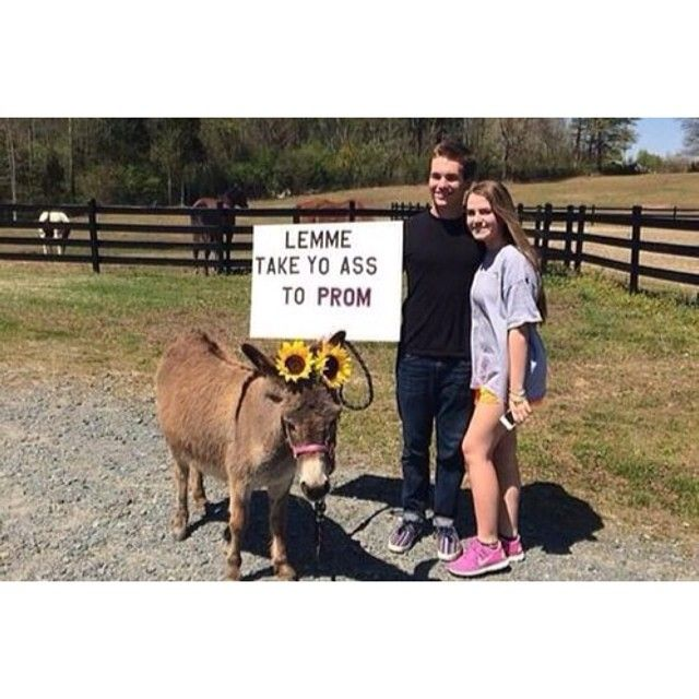 15 Of The Absolute Worst Promposals Ever