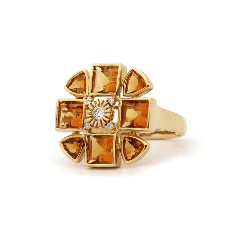 Sacred Flower Ring. 18kt Yellow Gold, Citrine and Dimaonds.
