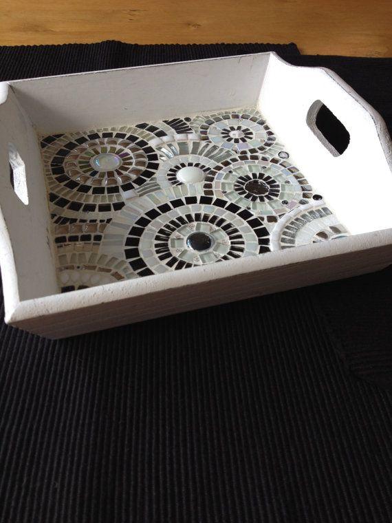 Dienblad met cirkels zwart/wit 25x25x5 cm door CapolavoriDiMosaico, €35
