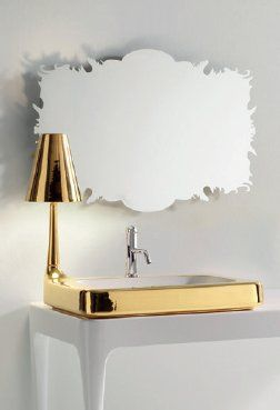 espejo-jaime-hayon-bisazza-4-terra-ceramica.  Lavavo y lámpara en oro. Lo puedes comprar en www.terraceramica.es  #arquitectura #diseño #jaimehayon #oro #lavabo #adictosaldiseño