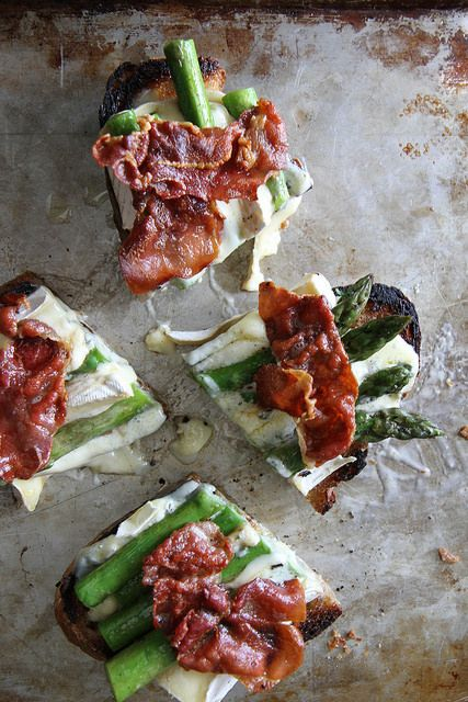 Asparagus, Crispy Prosciutto and Brie Tartines