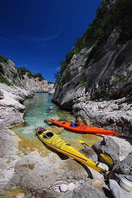 Two canoes at the end of Porto Pedrosu, Sardinia ( by Speleomantes)