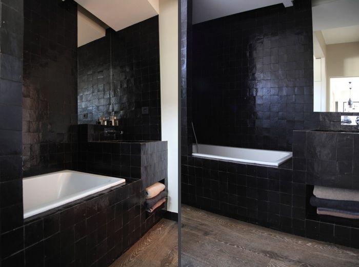 Salle de bain zelliges noirs parquet salle de bain pinterest - Salle de bain imitation parquet ...