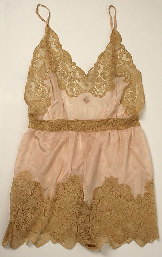 Evening teddy, late 1920s, Christophe, silk with cotton lace