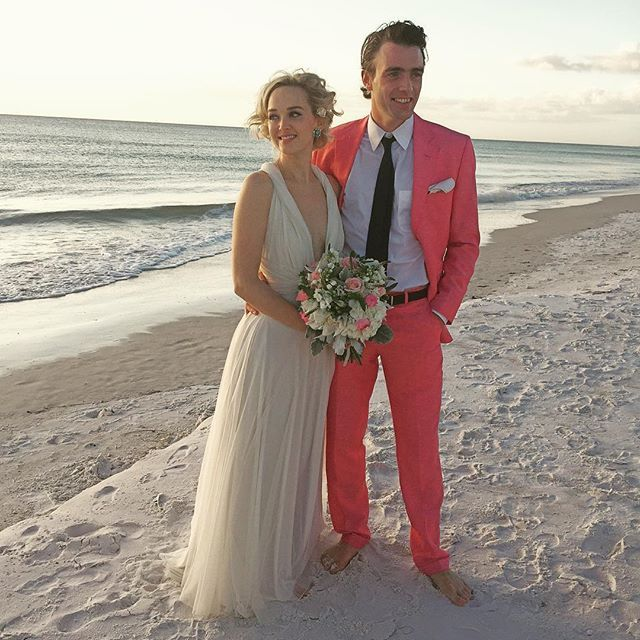 Pin for Later: Jess Weixler's Gorgeous Wedding Gown Might Just Convince You to Get Married by the Sea