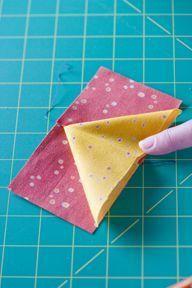 """Gansos do vôo Aqui está a matemática:  Determinar a altura de seu inacabado bloco gansos. Este é o lado mais curto do bloco. Queríamos nosso para ser de 3 """"de alta, inacabado. Cortar os dois quadrados menores 3"""" x 3 """"de seu"""" céu """"ou tecido de fundo.  Para calcular o retângulo (o """"ganso""""), adicione a medição de seus dois pequenos quadrados juntos e subtrair 1/2 """":  Fórmula: 3 """"+ 3"""" - 1/2 """"= 5 1/2""""  Então nós cortamos dois 3 """"praças de fundo e um 5 1/2"""" x 3 """"retângulo de"""" tecido de ganso """"."""