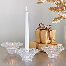 Tafelkandelaars. Diner kaarsen mogen niet ontbreken bij feestelijke gelegenheden! Ze zijn klassiek, elegant en maken het moment onvergetelijk.