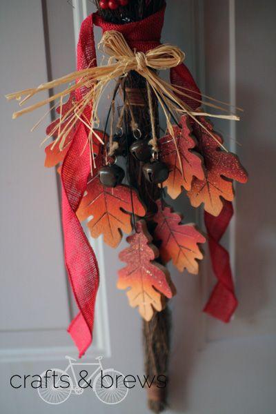 Easy homemade door wreath - DIY Fall Decor // Easy Fall Decorations // Crafts & Brews