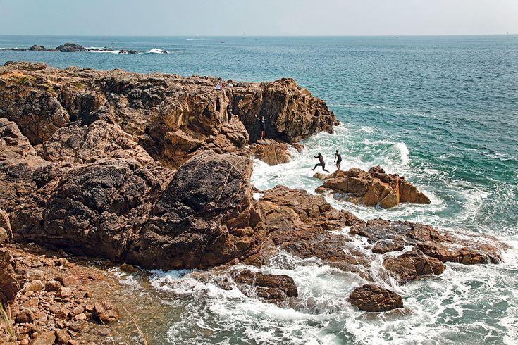 Avec un trait de côte atlantique de 270 kilomètres, dont 140 kilomètres de plages, la Vendée attire, intrigue, séduit. Une terre d'inspiration pour de grandes évasions.