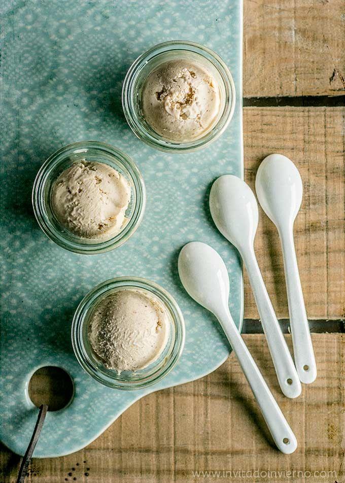 Receta del helado de avellana clásico, con base tradicional de crema inglesa de vainilla y avellana triturada, con fotos paso a paso y consejos