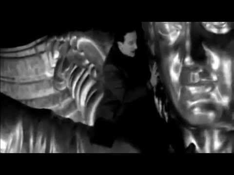 U2 - Stay (Faraway, So Close!) - dal film 'Così lontano, così vicino'  Our song te amoooooooo eres un angel caido in my heart