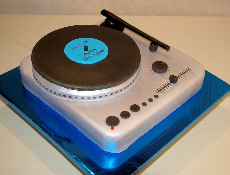 ... cake ideas  Pinterest  Turntable, Record player and Record cake