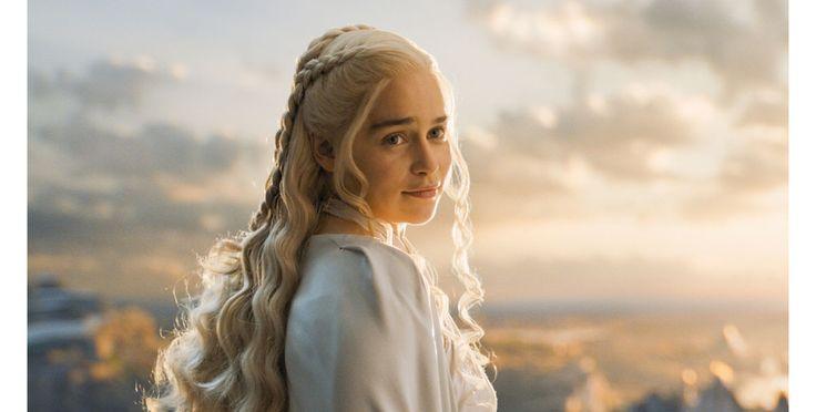 La star de la série Games Of Thrones a déclaré dans Time Out que l'équipe voulait plus d'homme à poil.