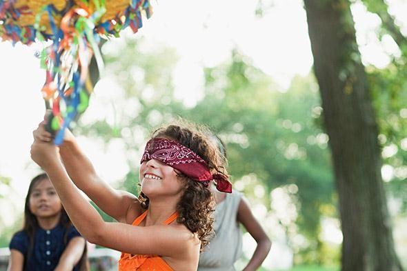Een onvergetelijk verjaardagsfeestje met een zelfgemaakte piñata