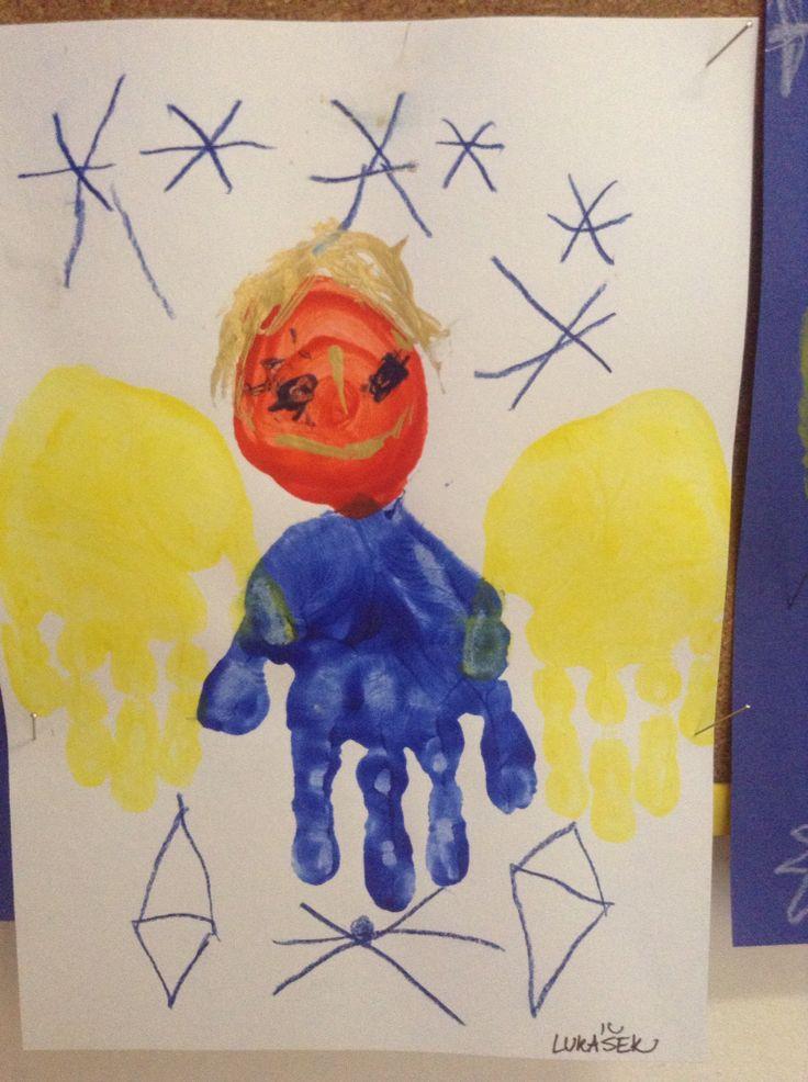 S dětmi v Mš jsem vytvářela prstovými barvami andilka