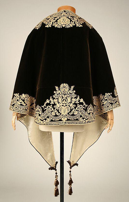 1857-1860 ... Mantle ... silk ... American ... at The Metropolitan Museum of Art ... photo 3